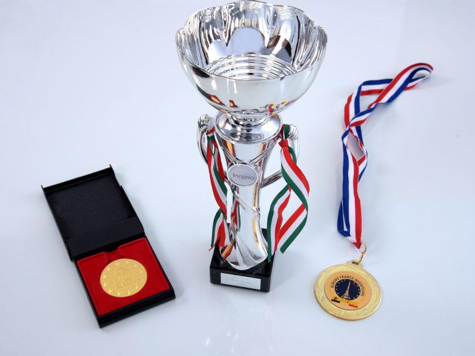 Золотая медаль и специальный приз на Всемирной выставке изобретений в Барселоне (Испания)